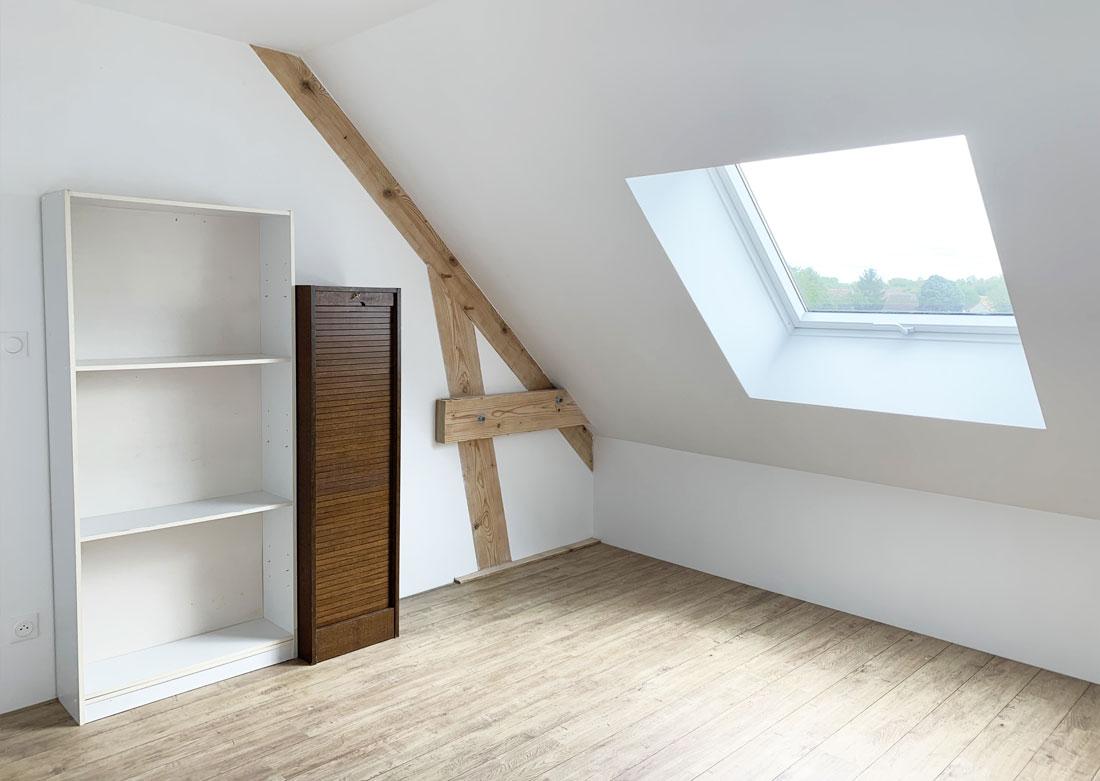 Décoration intérieure bureau côté fenêtre - Photo avant montage