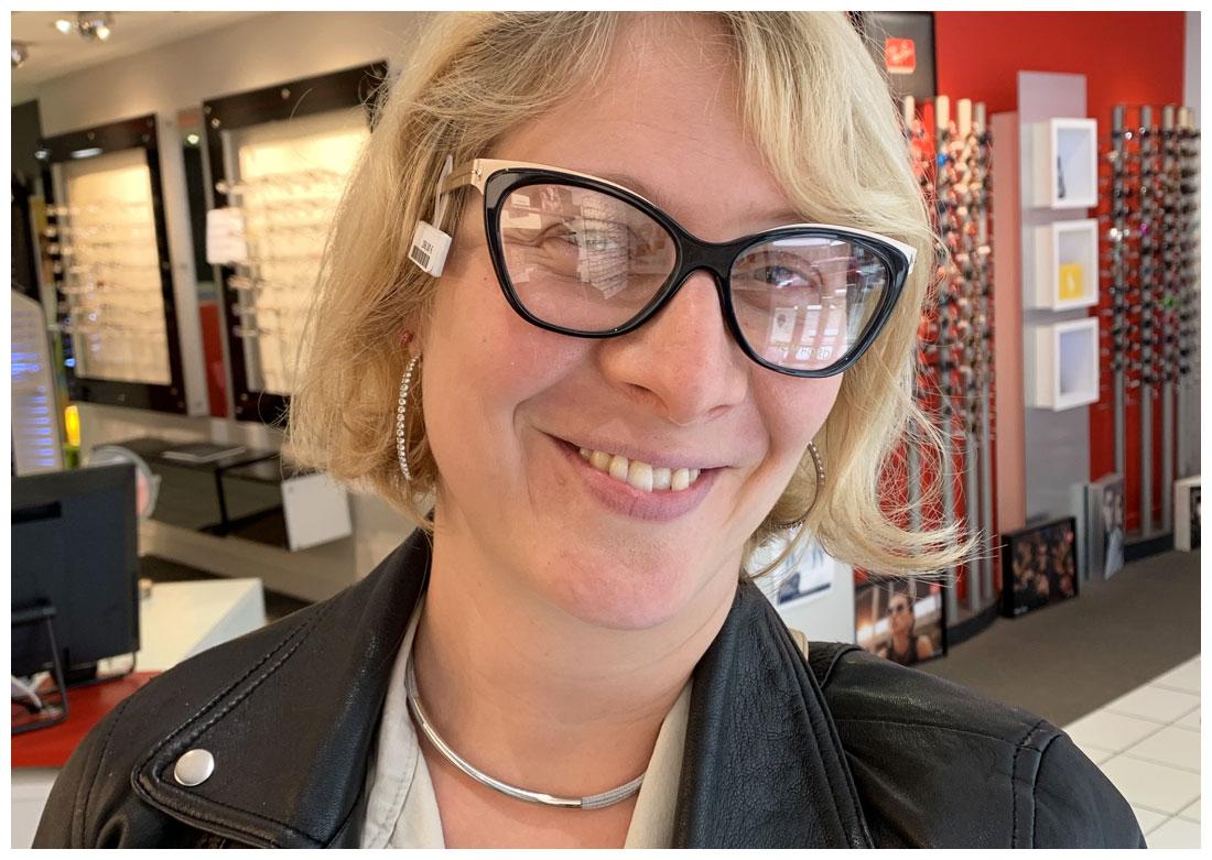 Séance personal shopper - Essayage de lunettes